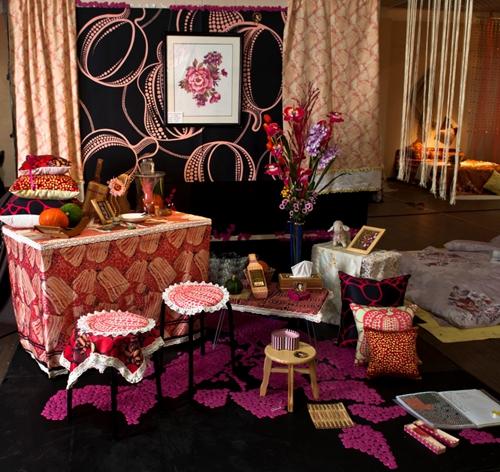 产品设计专业学生的毕业就业方向:纺织服装公司,装饰品设计公司,室内